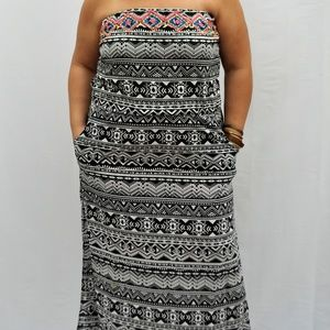 PLUS SIZE -  Strapless Maxi Dress